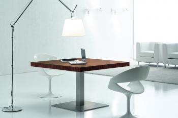 Petite table carrée KYO