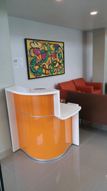 Petit comptoir orange