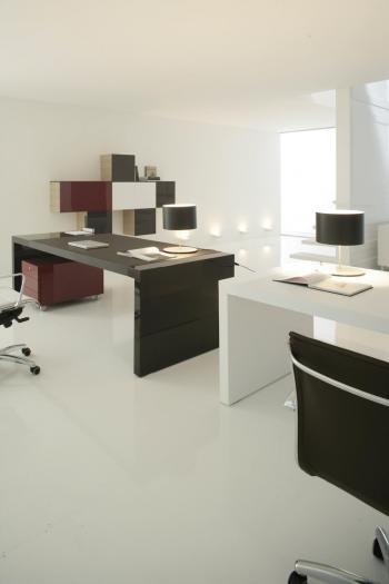 Bureaux plateau cuir noir et cuir blanc