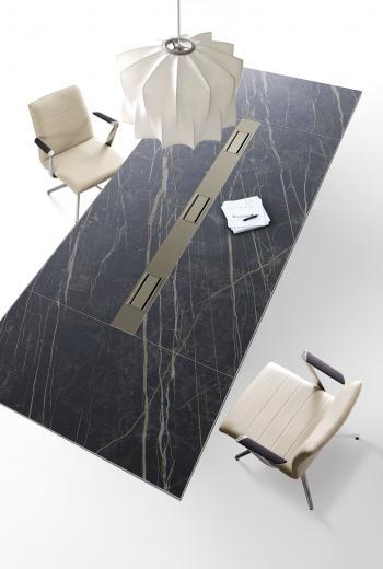 Table de réunion grès noir Wing Glamour