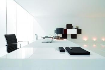 Bureau moderne cuir et laqué brillant blanc