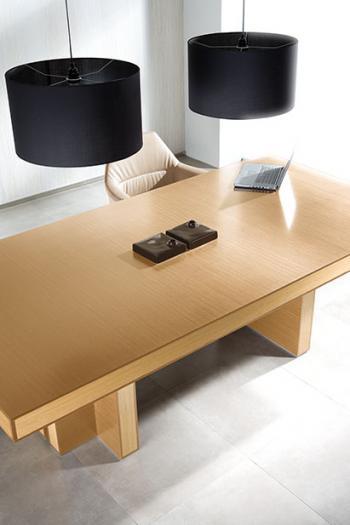 Table de réunion chêne clair