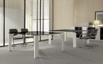 Table de réunion carrée en verre