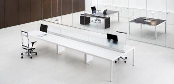 Bureau bench blanc avec séparations