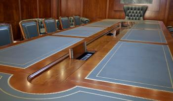 Table de conférence avec dessus cuir