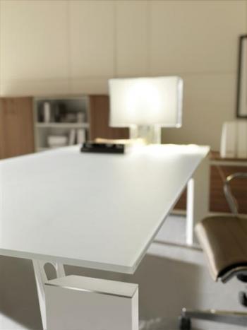 Piètement blanc avec plateau verre