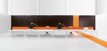 Tables électrifiées avec séparations