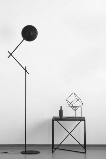 Lampe sur pied ARIGATO Noir